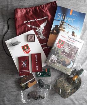 Luchtmobiel boeken, emblemen, reclame items