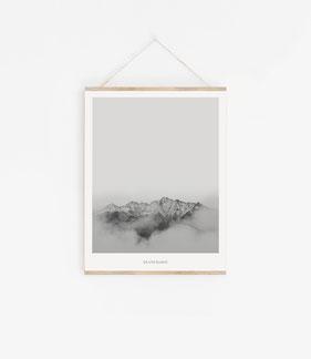 Schwarz weiß Landschaft Poster und Prints