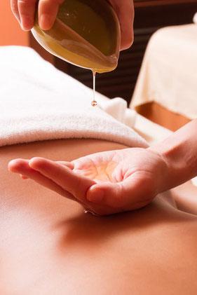 Thai Aromatic Massage - die sanfte Variante der Traditionellen Thai Massage
