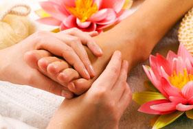 Fußreflexzonen Massage - die thailändische Variante - man fühlt sich wie neu geboren
