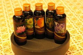 Aroma Ölmassage - wir verwenden auschließlich hochwertige Massageöle