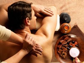 Rückenmassage - eine wirkliche Wohltat - nach der Arbeit oder einer anstrengenden Reise