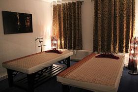 """Paar Massage im MY THAI SPA Hamburg Rotherbaum - Behandlungsraum 2 """"Lotusblüte"""" für eine schöne, gemeinsame Massage"""