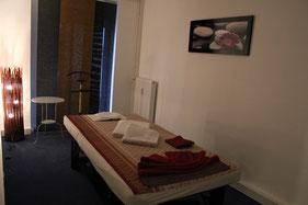 """MY THAI SPA Hamburg Rotherbaum - Behandlungsraum 3 """"Orchidee"""" für eine herrlich entspannende Wellness & Thai Massage"""
