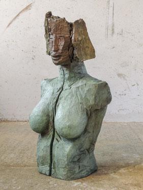 Büste Daphne XI, 2017, Bronze, Höhe 97cm, 6 Ex.