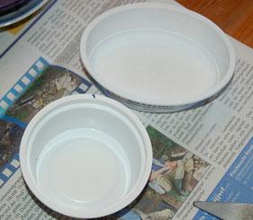 Plastikschälchen von Frischkäse oder Joghurd für die Seifenschalen