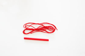 14本文の長さのタコ糸も用意
