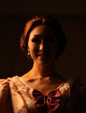 エマ・カルー/田中里奈