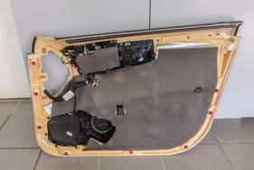 türverkleidung rückseite w221 mit butyl dämmung und schaumstoffdämpfung