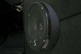 16cm Lautsprecher in der Tür vom landrover Defender TD5