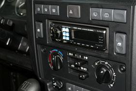 Alpine Radio im landrover Defender TD5