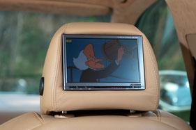 """Alpine 7"""" Monitore in den Kopstützen vom porsche cayenne Turbo"""