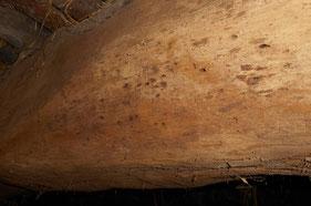 De beestjes in deze gebintbalk zijn al vier eeuwen geleden vertrokken...
