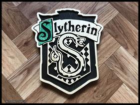 WoodnMetalART Scrollsaw Dekupiersäge Holzwappen Harry Potter Hauswappen Slytherin