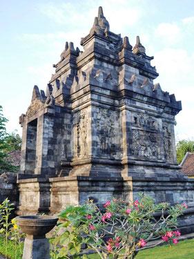 Pawon tempel dichtbij de Boropbudur tempel