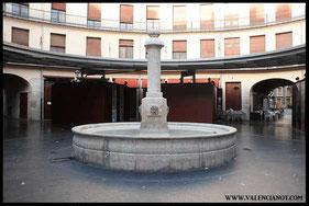 Fuente  del interior de  la Plaza Redonda de Valencia una vez remodelada.