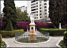 Fuente ornamental del jardín de Monforte en Valencia.