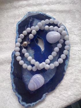 Entspannung- und Heilpraxis - blauer calcedon - Edelsteine