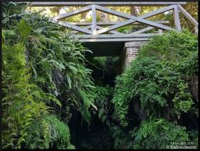 Cascada de agua del jardín de Monforte en València.