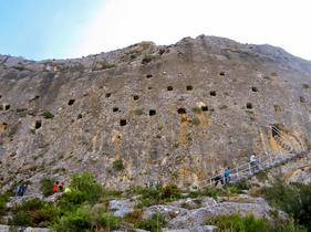 Les Covetes dels Moros (Cuevas de los Moros) Bocairent, Valencia, Comunitat Valenciana.