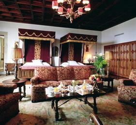 1位に輝いたパラドール・デ・サンティアゴ・デ・コンポステーラの部屋 (www.diariodegastronomia.com)