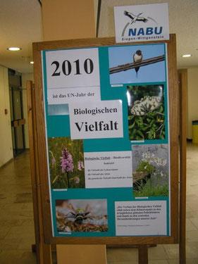 """Eine Tafel der Ausstellung """"Biologische Vielfalt"""""""