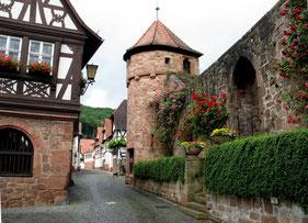 Mittelalterisch geprägte Ortsmitte