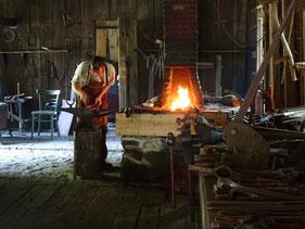 Black Creek Pioneer Village in Toronto: Hier repariert der Schmied gerade ein Scharnier.