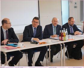 Auf dem Bild von links nach rechts: Staatssekretär Albert Füracker, Staatssekretär Franz Josef Pschierer, BBV-Bezirkspräsident Franz Kustner, Direktor Peter Huber