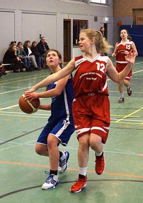 Sophia Jakuschew erzielte 13 Punkte und traf außerdem den ersten Drei-Punkte-Wurf ihrer Karriere. (Foto: Fromme)