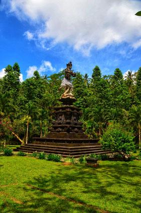 Indonesien, Bali, Zwei auf Achse, Backpacker, Rucksackreise, Blog, Reiseblog, Asien, Südostasien, Pura Tirta Empul Tempel, Vanlife, Travel, Weltreise