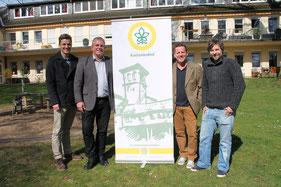 Bild v.l. Nick Bauermann (FSJ), Jens Lüdert (Heimleiter Kastanienhof), Oliver Leist (SSB) und Florian Kümpel (Kastanienhof)