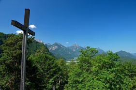 Füssen , Bayern , Deutschland , Alpen , Berge , Panorama , Kreuz , Himmel , Grün , Germany , Wandern , Bergtour , Trekking , Mountains ,