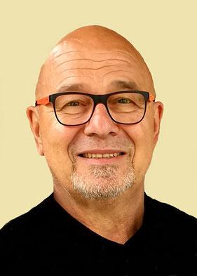 """Klaus-Peter Schröck, Dozent des Online-Seminars """"Compliance im Rahmen der Exportkontrolle""""   www.lernen-online24.de"""