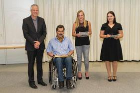 Preis des Vereins der Absolventen (VdA) überreicht von Prof. Dr. Jörg Wendorff und Peter Bührle, 1. Vorsitzender des VdA