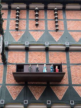 Bild: Celler Glockenspiel am Geschäftshaus Zöllners/Ecke Poststraße