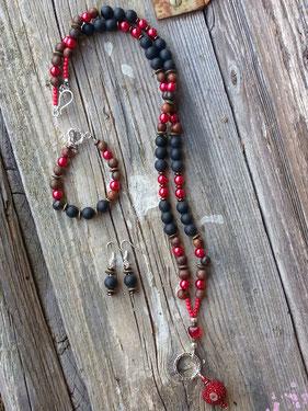 Schmuckset lange Ethno Boho Perlen Halskette, Perlen Armkette Armband und Perlen Ohrringe mit dunkelbraunen und schwarzen Acai Perlen, roten Glanzperlen, schwarzen Steinperlen, bronze Metallrondellen