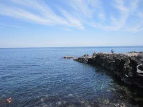 大島の自然が生み出したポイントの風景写真です。