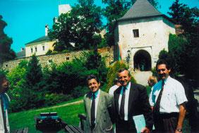 24.07.90_Baubesprechung für die Errrichtung der Radlerherberge_LR Dr. Josef Pühringer, LAbg Franz Hiesl, Bgm. Viktor Sigl_1