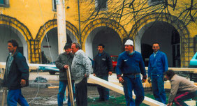 25.04.97_Zeltaufbau_vlnr. NN,Josef Hader, Karl Leonhartsberger, NN, Heinrich Lindner, NN, Karl Ebner