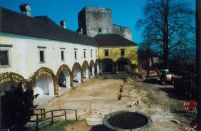 14.04.03_Burghof-Freilegung zur Kellerabdichtung