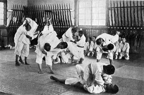 Jiu-Jitsu training op een agrarische school in Japan rond 1020