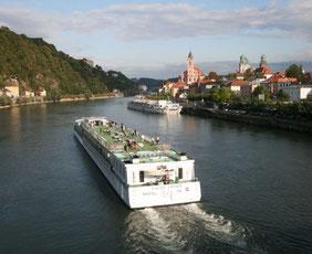 Donauschiff Vergleich Donauschiffe 2021 bellriva a-rosa donaudampfschifffahrt Flusskreuzfahrt Mosel Flussschiff donau rhein flusskreuzfahrt vergleich angebote