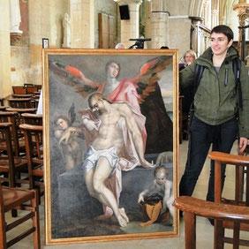 Le tableau et sa restauratrice Pauline Ruiz