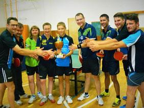 Die Siegerinnen aus Gera mit den weiteren Halbfinalisten aus Erlbach und Mühltroff.