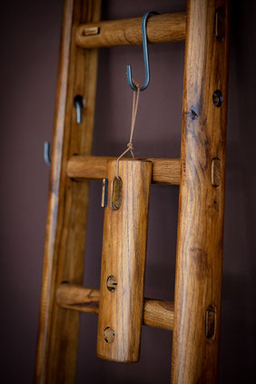Scala a pioli in legno con finitura vintage - Vintage wood ladder for home decor - Vintage echelle deco