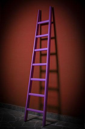 Scala a pioli colorata per arredamento e decoro - Wood ladder colored for interior decor - Echelle de couleur pour la maison