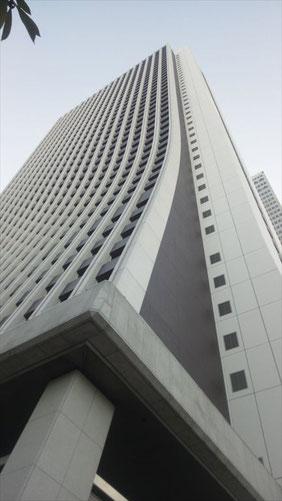 共生ビルとはあまりにも違う損保ジャパンのビル