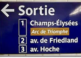 Manche Stationen haben mehrere Ausgänge, auf die Nummer achten, dann erwischt man den richtigen.
