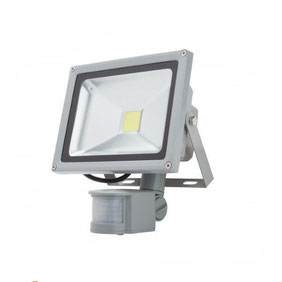 REFLECTOR LED CON SENSOR DE MOVIMIENTO 20W
